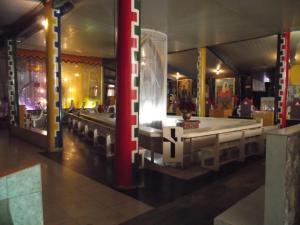 """aspecto do """"coração do templo"""" onde fica a mesa mediúnica primeira área de trabalho dos médiuns sem a presença dos pacientes."""
