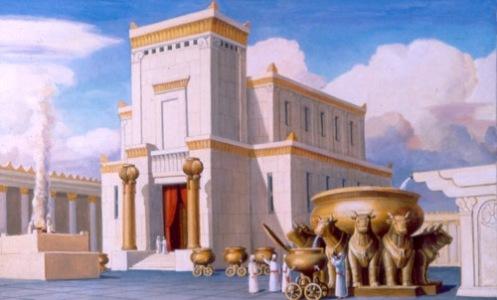 """O Templo de Salomão (no hebraico בית המקדש, Beit HaMiqdash), foi, segunda a Bíblia Hebraica, o primeiro Templo em Jerusalém, construído no século XI a.C., e teria funcionado como um local de culto religioso judaico central para a adoração a Javé (Jeová), Deus de Israel, e onde se ofereciam os sacrifícios conhecidos como korbanot. O Rei Davi, da tribo de Judá, desejava construir uma casa para Javé (YHWH), onde a Arca da Aliança ficasse definitivamente guardada, ao invés de permanecer na tenda provisória ou tabernáculo, existente desde os dias de Moisés. Segundo a Bíblia, este desejo foi-lhe negado por Deus em virtude de ter derramado muito sangue em guerras. No entanto, isso seria permitido ao seu filho Salomão, cujo nome significa """"paz"""". Isto enfatizava a vontade divina de que a Casa de Deus fosse edificada em paz, por um homem pacífico. (2 Samuel 7:1-16; 1 Reis 5:3-5; 8:17; 1 Crónicas 17:1-14; 22:6-10). Davi comprou a eira de Ornã ou Araúna, um jebuseu, que se localizava monte Moriah ou Moriá, para que ali viesse a ser construído o templo. (2 Samuel 24:24, 25; 1 Crónicas 21:24, 25) Ele juntou 100.000 talentos de ouro, 1.000.000 de talentos de prata, e cobre e ferro em grande quantidade, além de contribuir com 3.000 talentos de ouro e 7.000 talentos de prata, da sua fortuna pessoal. Recebeu também como contribuições dos príncipes, ouro no valor de 5.000 talentos, 10.000 daricos e prata no valor de 10.000 talentos, bem como muito ferro e cobre. (1 Crónicas 22:14; 29:3-7) Salomão não chegou a gastar a totalidade desta quantia na construção do templo, depositando o excedente no tesouro do templo (1 Reis 7:51; 2 Crónicas 5:1). O Rei Salomão começou a construir o templo no quarto ano de seu reinado seguindo o plano arquitectónico transmitido por Davi, seu pai (1 Reis 6:1; 1 Crónicas 28:11-19). O trabalho prosseguiu por sete anos. (1 Reis 6:37, 38) Em troca de trigo, cevada, azeite e vinho, Hiram ou Hirão, o rei de Tiro, forneceu madeira do Líbano e operários especializad"""